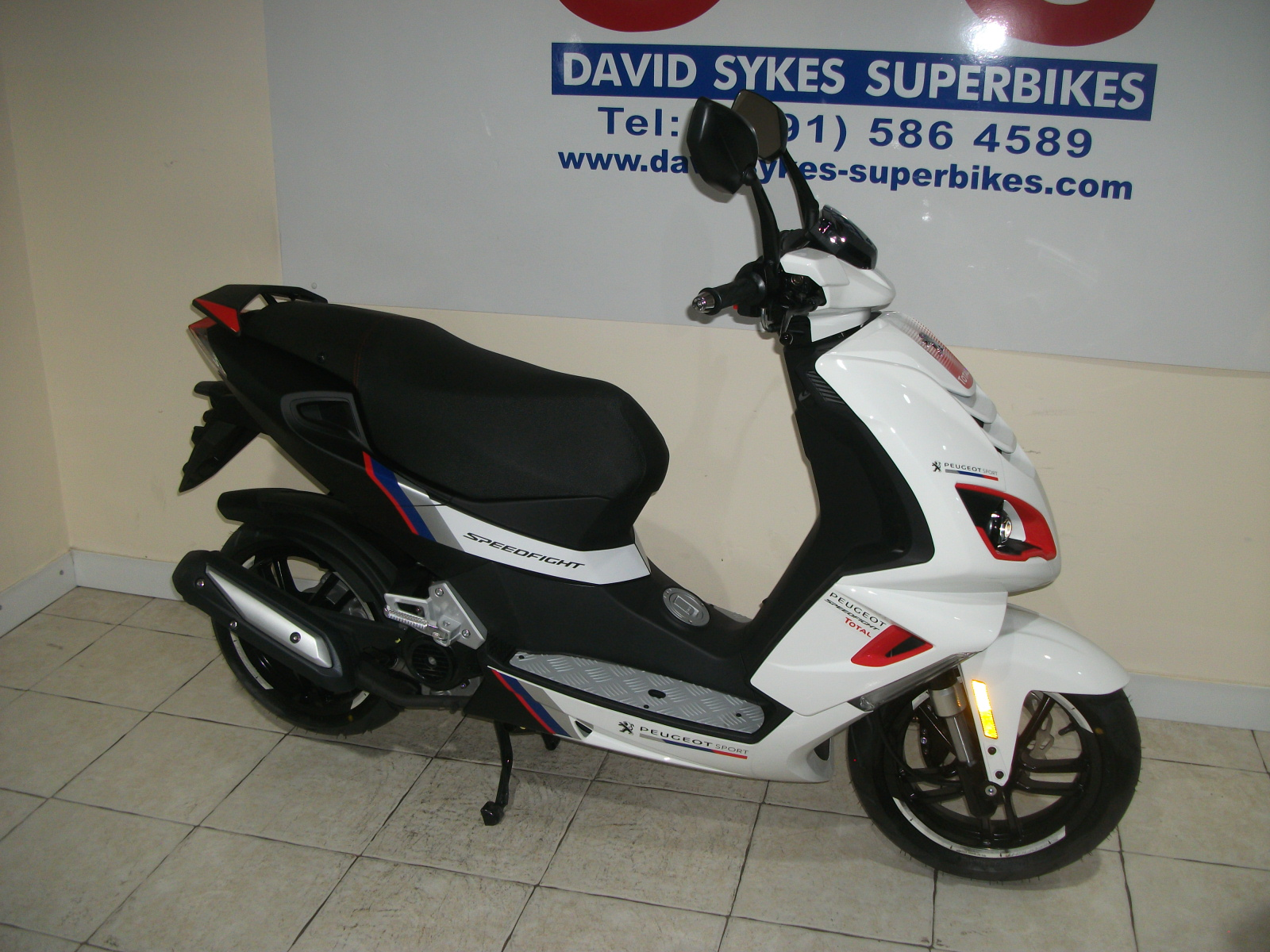 peugeot speedfight 125 race team new david sykes superbikes. Black Bedroom Furniture Sets. Home Design Ideas